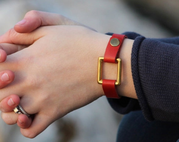 The Essential Saddle String Bracelet with Square Brass Ring - 4 Colors