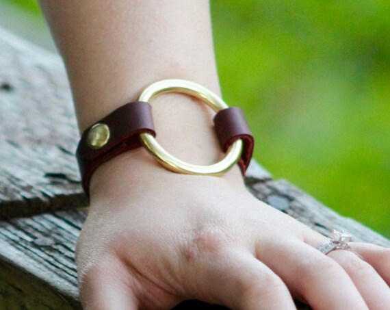 The Essential Saddle String Bracelet with Brass Ring - 4 Colors