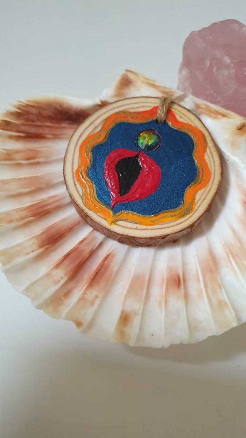 Vulva art woodslice vulva with gemstone cl!t