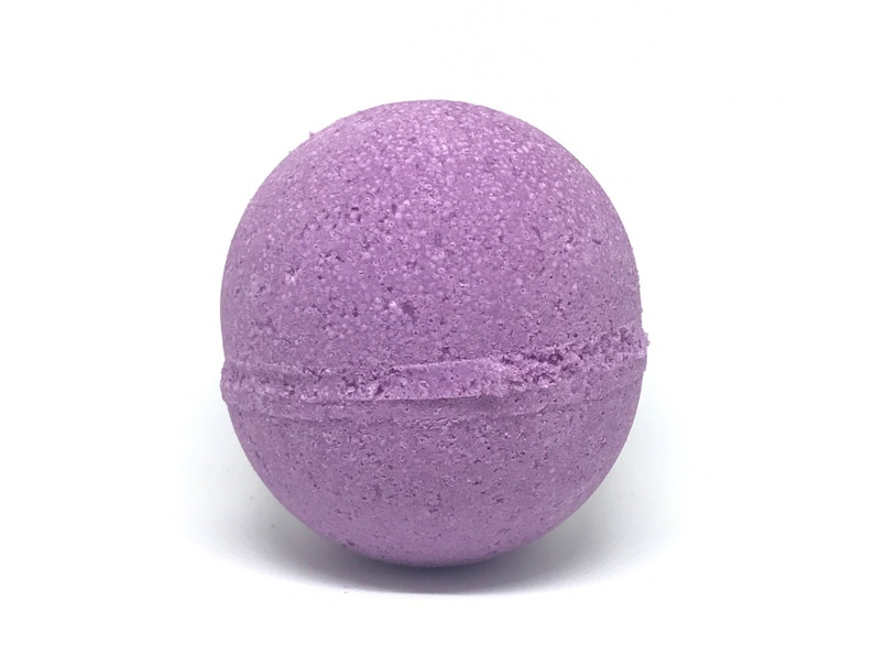 Blackberry Daydreams Bath Bomb image 1