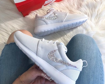 97d9a65a7 Swarovski Nike Roshe One Casual Shoes White with SWAROVSKI® Xirius Rose-Cut  Crystals AB.