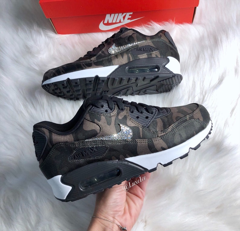 nouveau style 03f42 90020 Swarovski Nike Air Max 90 Camo Sneaker Casual Shoes customized with  SWAROVSKI® Xirius Rose-Cut Crystals.