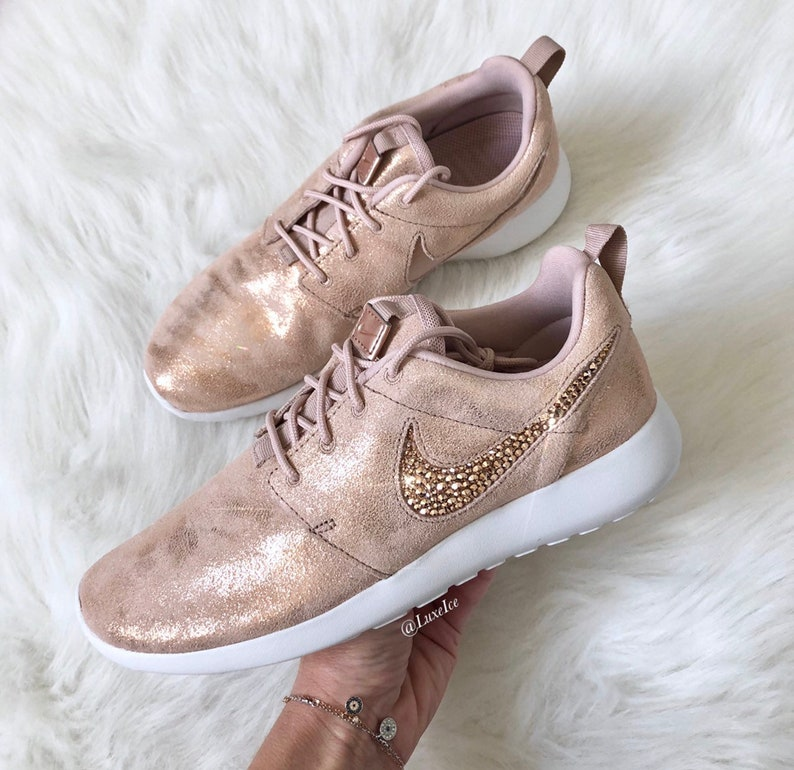 dd81198ee8a37 Swarovski Nike Roshe Casual Shoes Metallic Red Bronze Summit