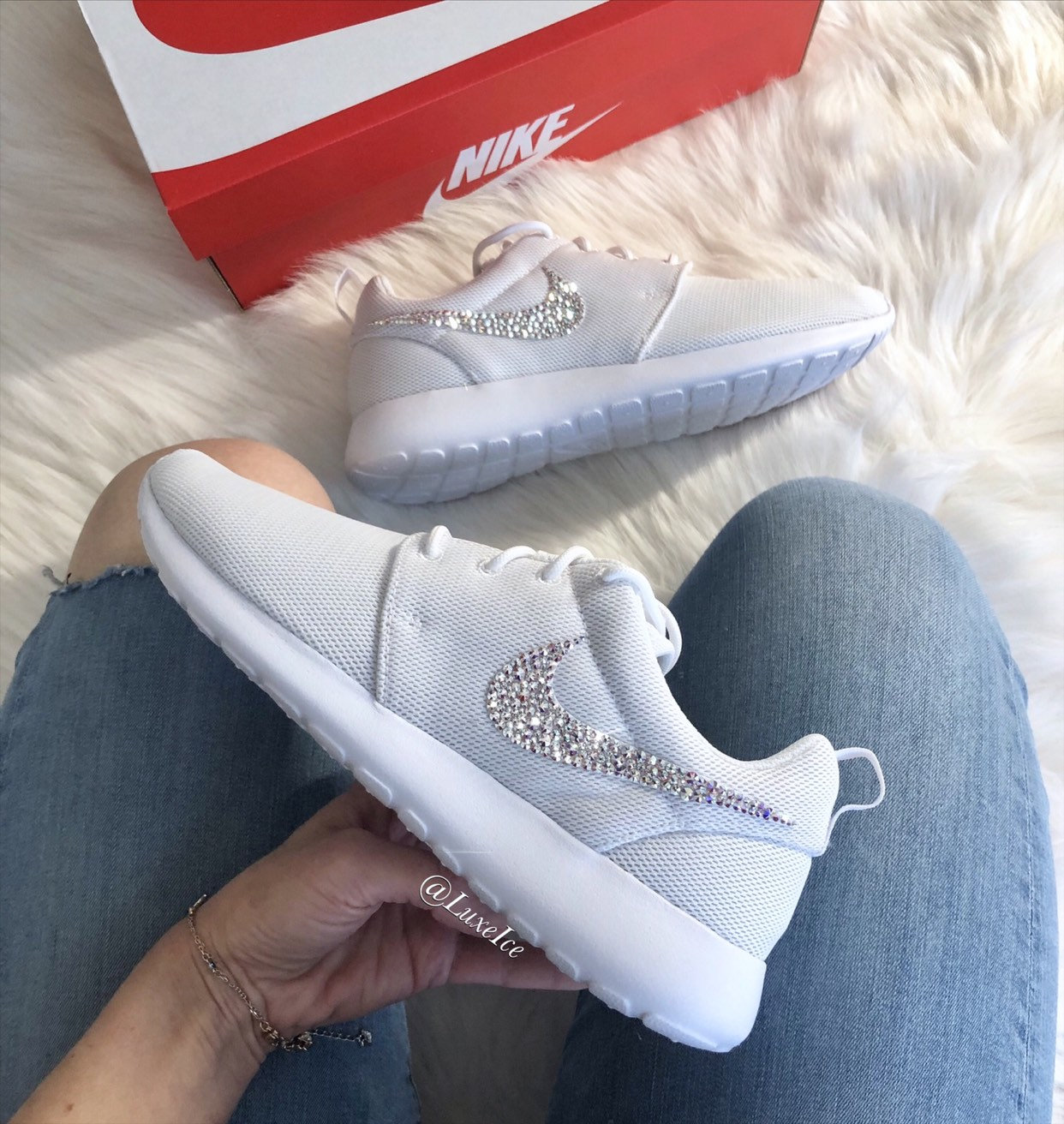 374b230a3ed9b Swarovski Nike Roshe One Casual Shoes White with SWAROVSKI® Xirius Rose-Cut  Crystals AB.