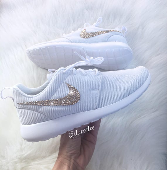 4d16ab11113 Swarovski Nike Roshe One Casual Shoes customized with Golden