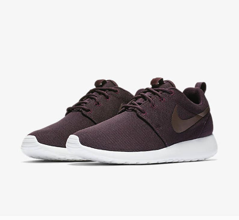 2e988c8d8f72 Nike Roshe One Port Wine Summit White Metallic Mahogany with