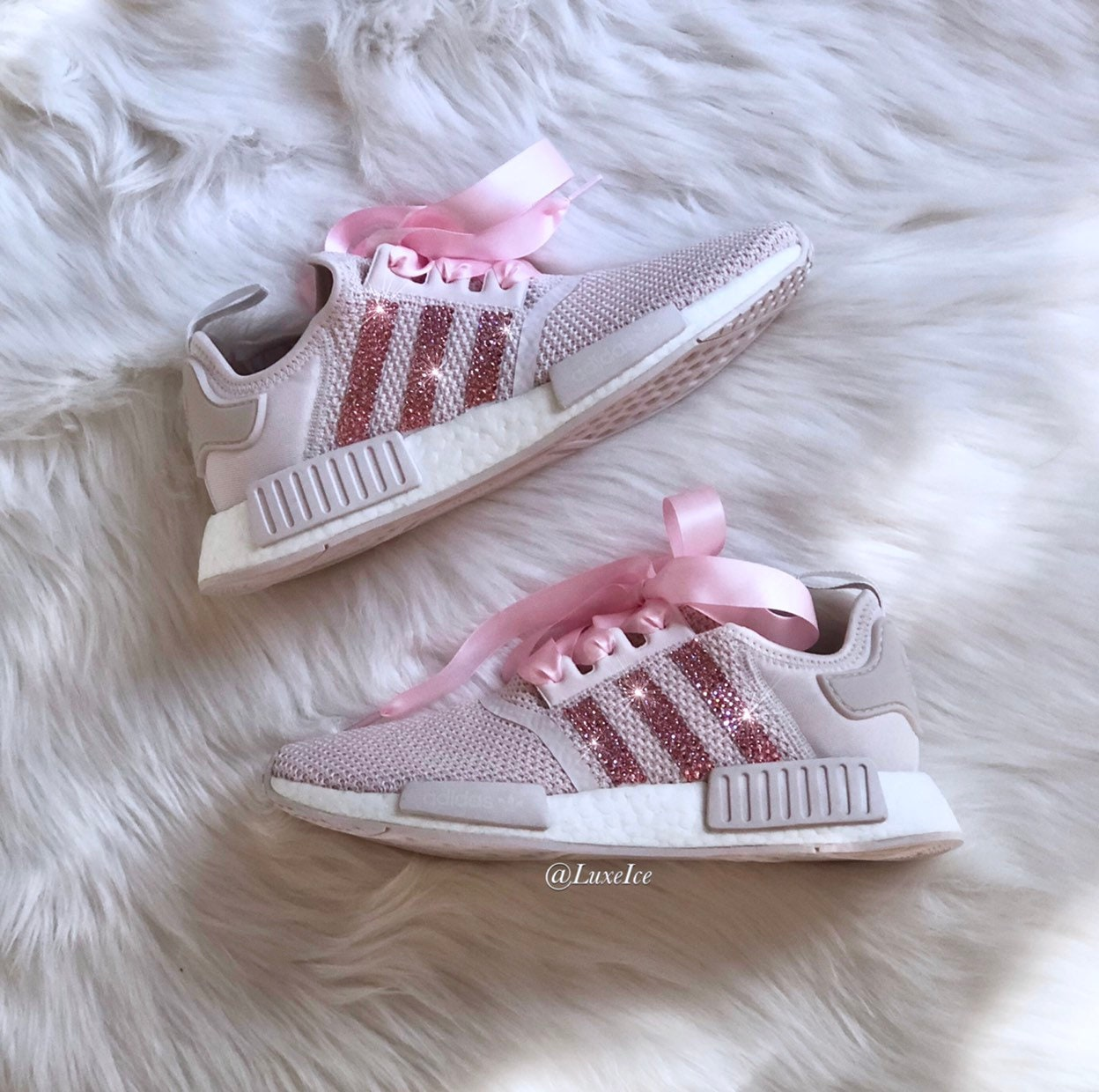 3f1142f12ad3 Swarovski Adidas NMD R1 Casual Shoes Orchid Tint White