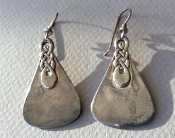 Laurel Burch Obia Knot Silver Tone Pierced Earrings