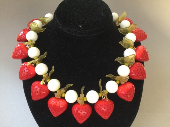 Red Strawberries White Lucite Bead Single Strand N