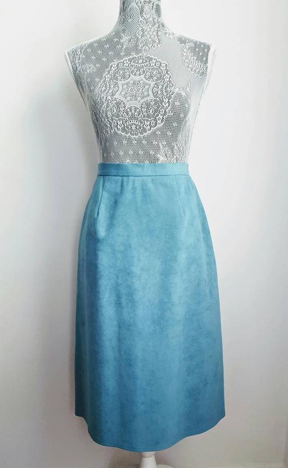 Vintage midi skirt. 70s vintage. Blue suede a-line