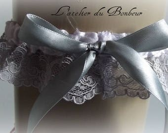 garter in white satin and lace grey