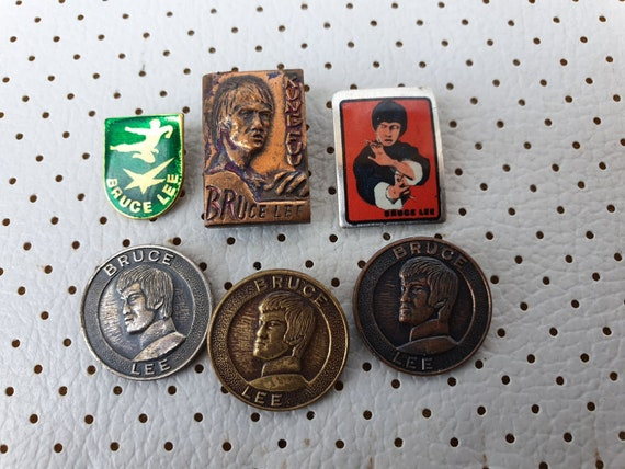 Bruce Lee Vintage Pins Collection Kung-Fu Wu-Shu Karate Kung Fu Wu Shu  Movies Hollywood 40 Years Old