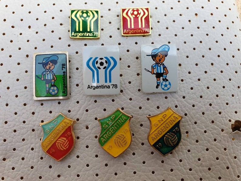 Argentina 1978 FIFA World CUP Football Vintage Pins Collection Soccer  Badges Old