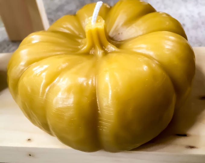 100% Pure Beeswax Pumpkin candle