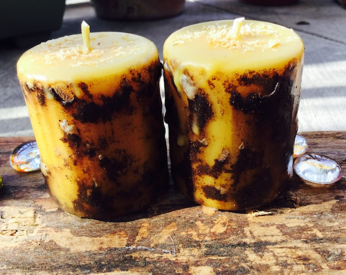 Spell candle-100% beeswax candle-protection spell-dragon's blood resin-altar candle-beeswax candles-wiccan candle