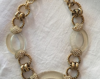 QUIRKY 1980s NECKLACE - plexiglass and yellow metal large links