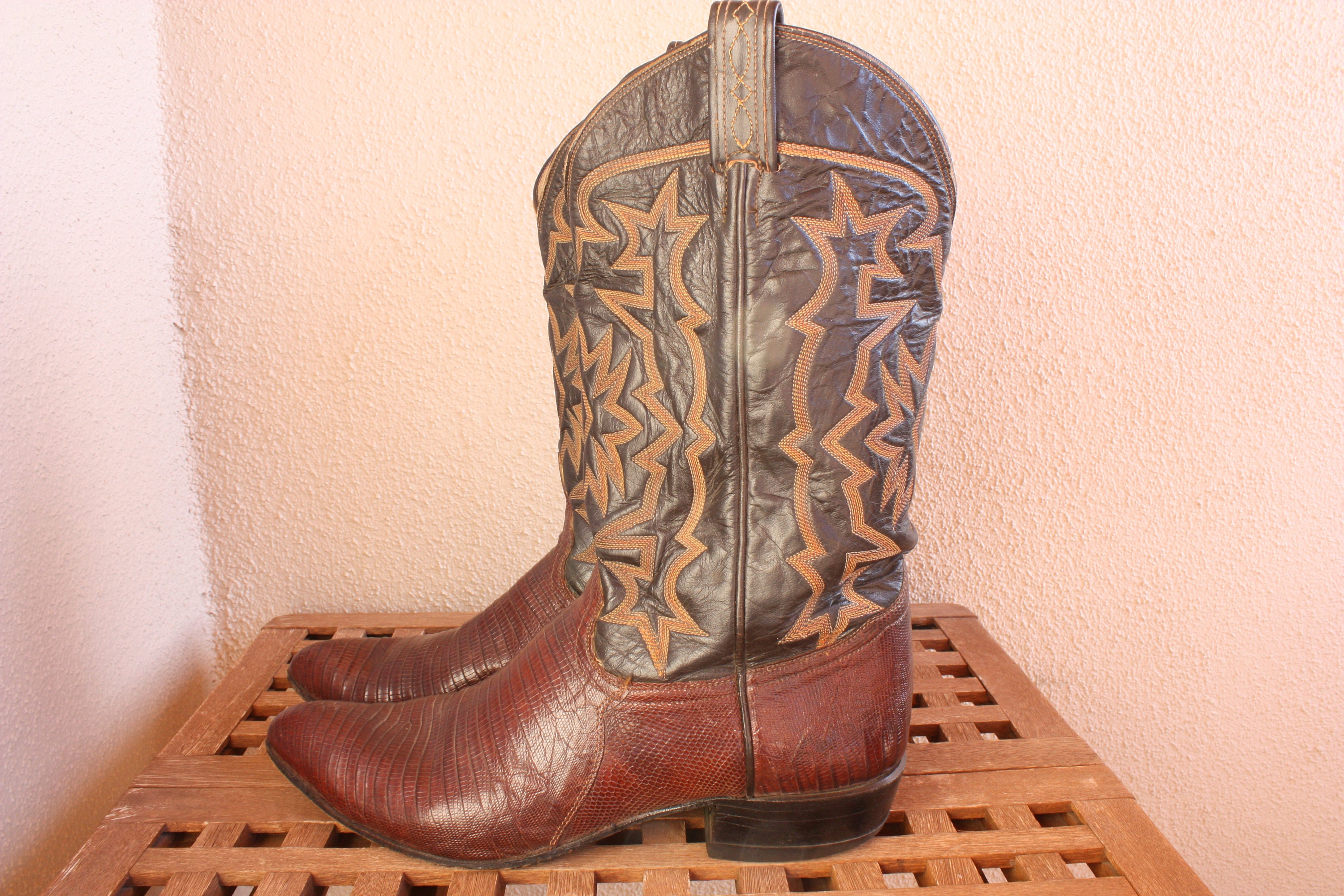 49f6dc153f5 Vintage Cowboy boots TONY LAMA Brown All Leather Snake Skin Cowboy Western  Boots Mens Retro Rockabilly Size 10.5