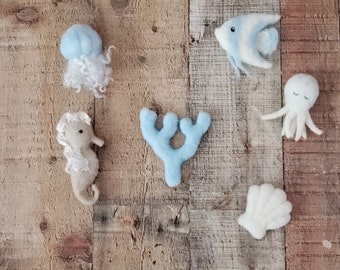Newborn felted props,  seahorse, newborn seahorse, seahorse, felted lovey, felted photography prop, newborn photography,