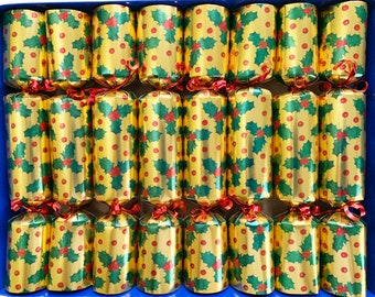 Set of 8 Fill Your Own Holly Design Gold Christmas Crackers