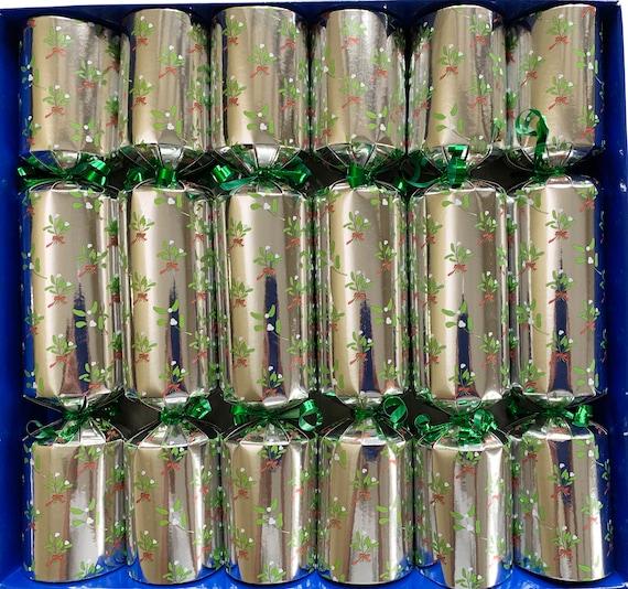 Set of 6 Silver Mistletoe Pamper Crackers Christmas Crackers - Bath Melts, Soaps and Bath Tea Bag