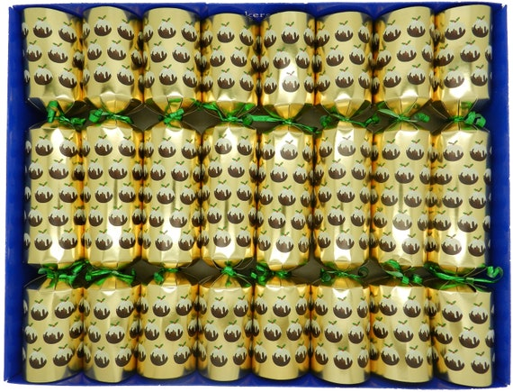 8 Christmas Pudding Family Christmas Crackers in Gold