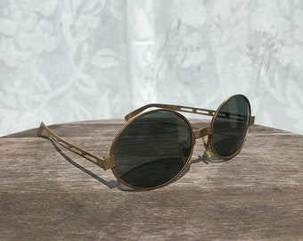 43f2bc0daba3 Vintage 1960 s Cool Ray Polaroid Gold Wire Oval Frame Sunglasses