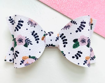 Valentine\u2019s Day Hair BowHearts BowBow with HeartsFaux Leather BowToddler Hair BowsBaby Headband BowsBow ClipsHolidays Bows