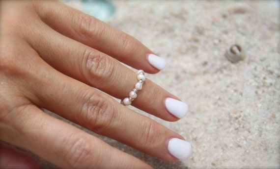 Mermaid Pearl Ring Toe Ring Bridal Jewelry Beach Weddings Custom Bridesmaid Gift Stretch Pearl Ring Bikini Jewelry Friendship Girlfriend Mom