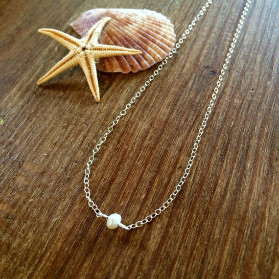 Tiny Freshwater Pearl Pendant Necklace Delicate Layering Bridal Gift for Her Bridesmaid Single Small Pearl Valentine Love Gold Rose Gold Zen