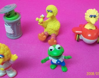 Sesame Street Muppets Lot 5 PVC Figures Big Bird, Baby Big Bird, Baby Kermit  Oscar The Grouch Vintage 1980-90s ,Great Birthday Cake Toppers
