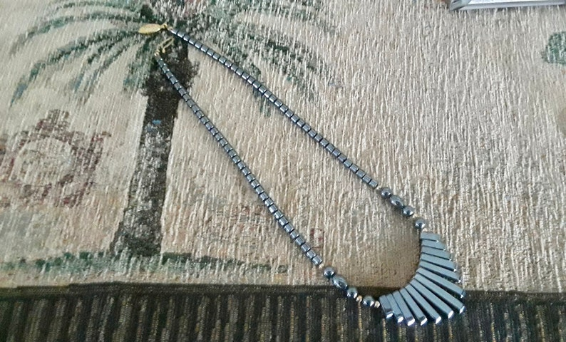 Estate Retro Modernist Vintage Hematite /& Gold plated Fan Necklace Classic 1980 Handmade Cleopatra 17 inch