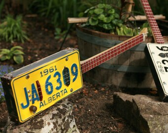License plate 3 string guitar