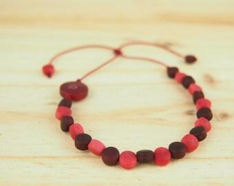 Red beaded vegetal ivory bracelet, red bracelet, minimalist bracelet, ethical bracelet, ethical gift, modern bracelet, original bracelet