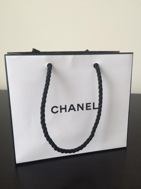 Chanel weiß schwarzes Papier Einkaufstasche neu | Etsy