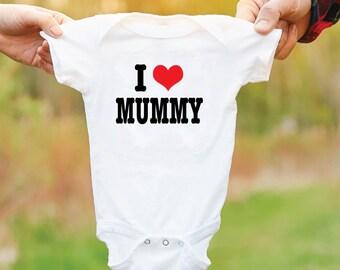 I Love Mummy Baby Grow. I Heart Mummy Baby Bodysuit. Newborn Baby Gift. I Heart Mum Baby Vest. Gift For Mums.