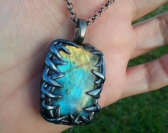 Labradorite necklace,flashy labradorite cabochon necklace , labradorite talisman