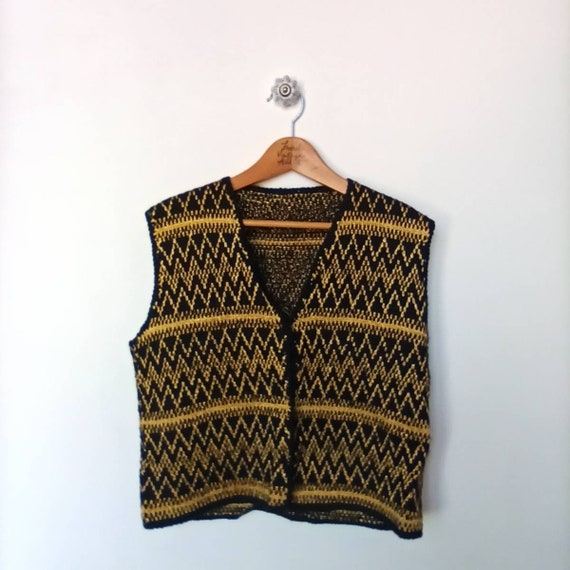 Vintage 1980s - Unique hand-knitted cardigan sleev
