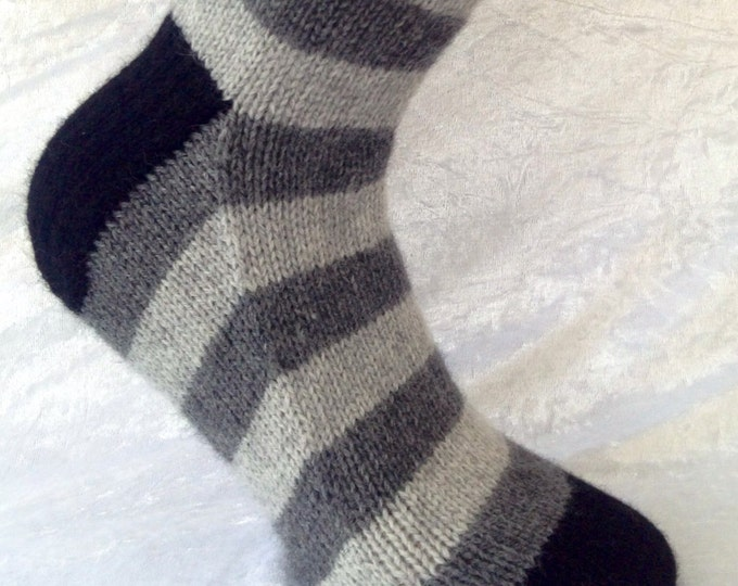 Cashmere socks by Willow Luxury ( to fit men's shoe size UK 8-11, US 8-11, European 41-44/45)