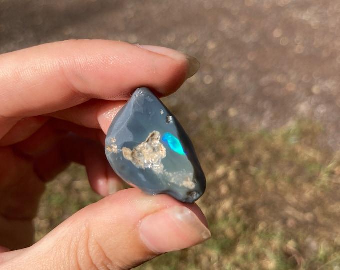 Rough Lightning Ridge Black Opal