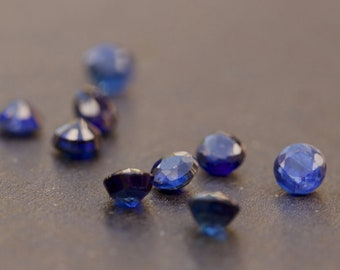 X 2 natural round cut blue kyanite 3mm x 3mm.