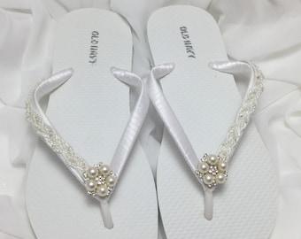 White Bridal Flip Flop, White Bridal Sandals, Braidsmaid Flip Flops, Beach Wedding Sandals, White Wedding Flip Flops, Starfish Flip Flps