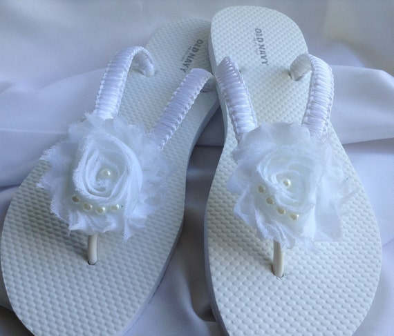 b2b99a75355a15 White Beach Wedding Sandals Bride Flip Flops Flower Flip