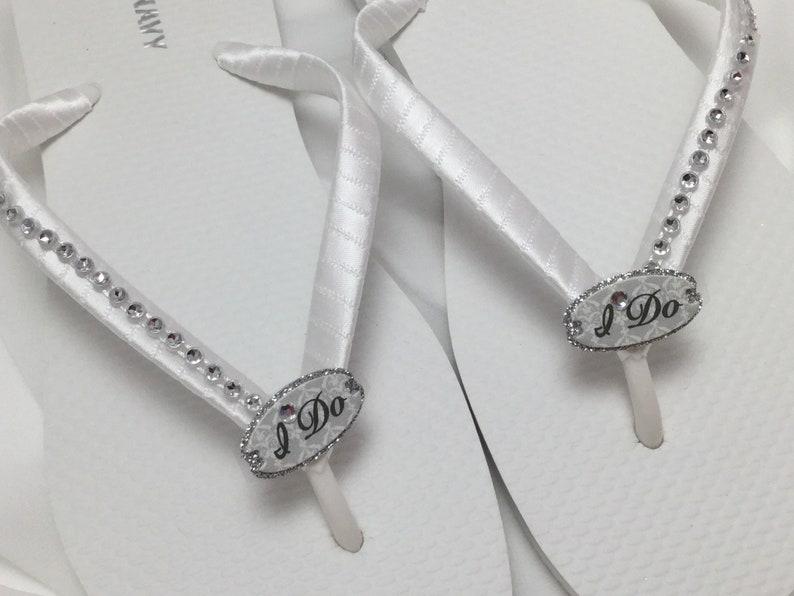 a9faa43aded0c Biały ja ślubne klapki japonki White Bridal sandały robię   Etsy