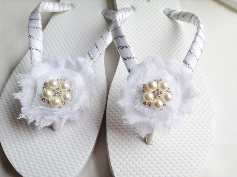 823ee787fa64 White Bridal Flip Flops Bridesmaid Flip Flop Bridal Sandals