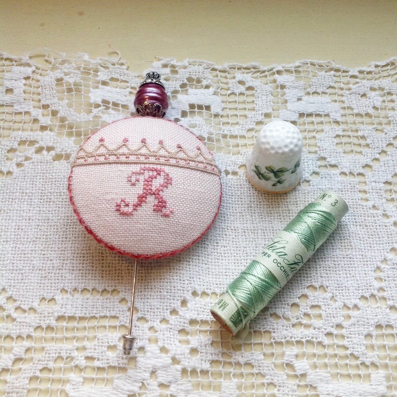 Hand embroidered button pin letter R image 0