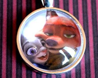 Zootopia / Zootropolis - Judy Hopps and Nick Wilde Selfie Necklace