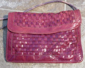 "CROSSBODY Bag, LEATHER Woven, RED Burgundy, Vintage, 7.5"" Long, 5.25"" Depth, Strap 19"" (#21J)"