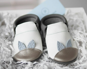 Leather Baby Shoes   Unisex Crib Shoes