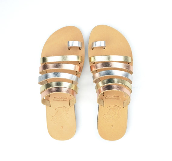 Made to Order Order Order Sandals - Handmade Greek Leather Sandals - Metallic Flip Flop Sandals - Ancient Greek Style Sandals - Toe Ring Sandal - Slides | Technologie Sophistiquée
