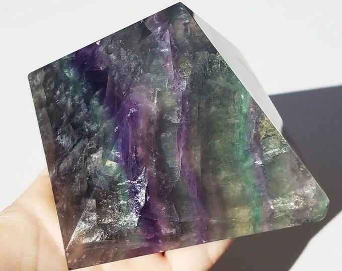 Fluorite crystal, Fluorite pyramid
